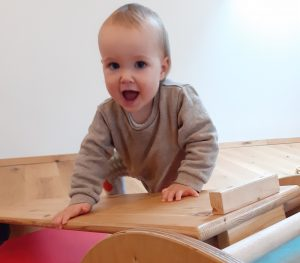 Spielraum für Kinder, freie Bewegungsentwicklung Emmi Pickler